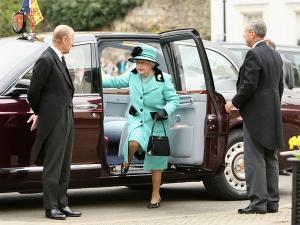 Queen Elizabeth II Looking Around For New Chauffeur