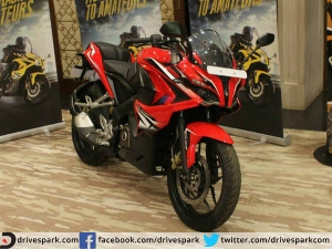 Bajaj Pulsar RS 200: 10 Stand Out Features