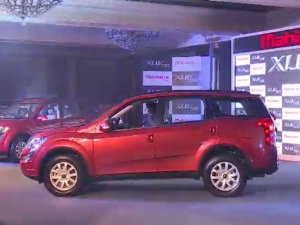 New Age Mahindra XUV 500 Launched: Price, Specs & More!