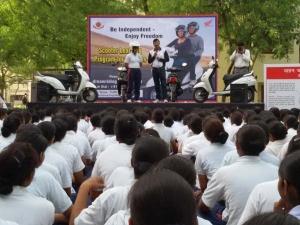 Honda Trains 1200  Delhi Police Female Recruits!