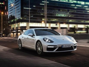 Porsche Panamera Turbo S E-Hybrid Revealed