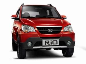 Premier Displays New Look Rio At Auto Expo