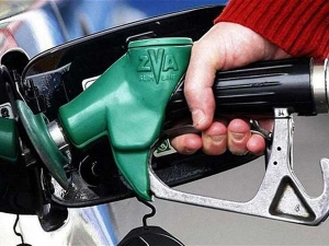 Petrol & Diesel Prices Reduced By 49 Paise & Rs 1.21 Per Litre