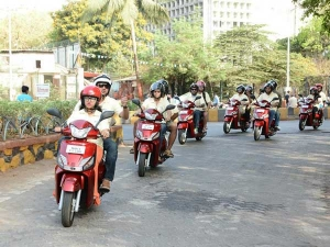 Mahindra Conducts GoGustoRide In Mumbai