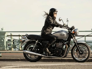 Triumph Bonneville Now Available In India For INR 9,990 Per Month