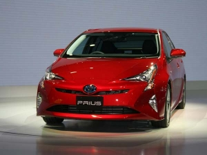 Fourth-Generation Toyota Prius Unveiled At Tokyo Motor Show