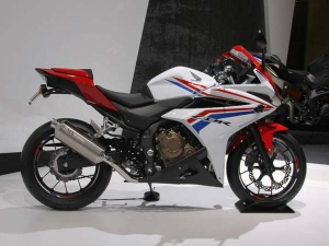 Honda CBR400R Debuts At 2015 Tokyo Motor Show. What Are Your Thoughts?