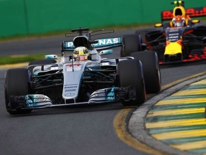 Australian Grand Prix — Lewis Hamilton Clinches Pole Position
