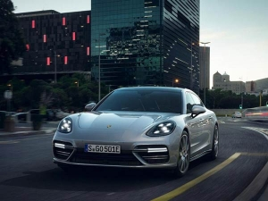 Confirmed! Porsche Will Bring The Panamera Turbo S E-Hybrid To India