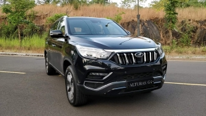 Mahindra Alturas G4 Review (First Drive) — The Benchmark For Future Mahindra SUVs?