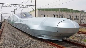 World's Fastest Bullet Train Has A Bonkers Top Speed & An Even Crazier Nose