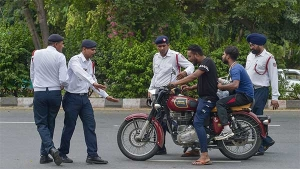 Motorcycle Riders To Pay A Fine Of Rs 1,000 For Riding While Wearing Chappals, Sandals & Flip-Flops