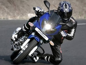 India's affordable performance bikes - Pulsar 220
