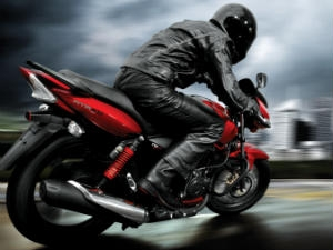 India's affordable performance bikes - TVS Apache