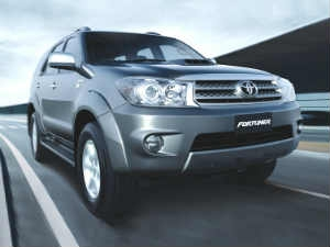 2012 Toyota Fortuner Gets Facelift, New Features