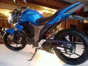 Suzuki Gixxer: Images & Details Of New 150cc Japanese Motorcycle