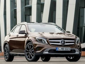Compact suv news compact suv latest news on www for Mercedes benz genuine polar white touch up paint code 149