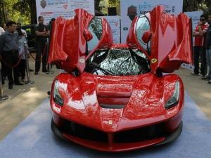 LaFerrari Drives Onto The Streets Of Mumbai