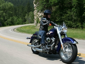 10 Easy Steps To Start Riding A Motorcycle