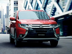 Mitsubishi New Pajero Sport Likely To Launch In India By 2017