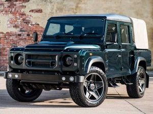 A Look At Kahn Design's Land Rover Defender Chelsea Wide Track