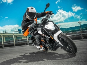 2017 KTM Duke 250: All You Need To Know About India's New Orange Racer