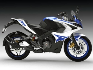 2017 Bajaj Pulsar RS200 Launched With BS-IV Engine; Priced At Rs 1,21,881