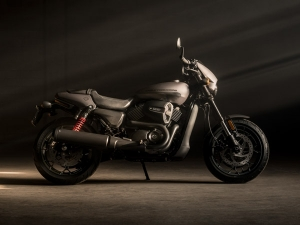 Harley-Davidson Street Rod 750 Launched In India; Launch Price + Photo Gallery