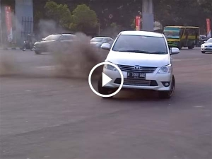 Watch A Toyota Innova Drift And Perform A Burnout