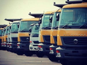 Daimler India Reveals Bharat Benz BS IV Trucks; No Increase In Price