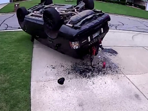 Idiot Proves Why A Range Rover Might Not Be The Best Car To Pull A J-Turn