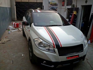 AK Customs Gives The Maruti S-Cross A Dual-Tone Treatment