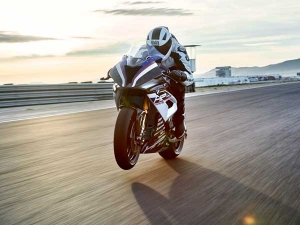 BMW HP4 Race Engine Life Revealed — Still A Tempting Choice?