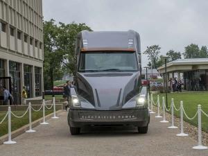 Cummins Unveils Electric Heavy-Duty Truck