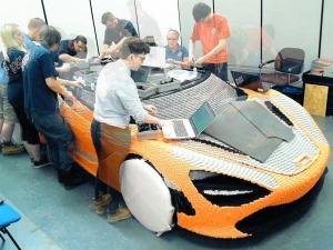 Watch McLaren's 2,000 Hour 720S Lego Build In Just 1 Minute