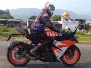 Spy Pics: KTM RC250 Spotted Testing In India