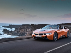 2017 Los Angeles Auto Show: Drop-Top BMW i8 Roadster Revealed