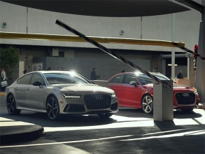 Audi RS3 & RS7 Race For The Last Parking Spot In The Holiday Rush