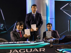 Jaguar Land Rover India Employees Recieve Top Honours In Global Technician Of The Year Contest