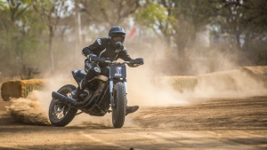 Harley-Davidson Debuts Flat Track In India — Harley-Davidsons On Dirt With No Front Brakes! Such Fun
