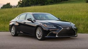 Lexus ES 300h Launched In India; Priced At Rs 59.13 Lakh