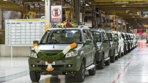 Tata Motors Rolls-Out 1500th Army-Spec Safari Storme SUV