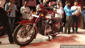 New Jawa Review (First Look): Everything To Know About The Classic Jawa Reincarnation