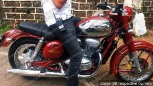 New Jawa Motorcycle Image Leaked — Royal Enfield Fans Need To Worry!
