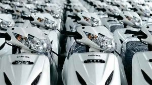 Honda Forecasts Sharp Drop In Demand For Scooters; Cuts Production By 15-20 Percent