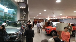 Mahindra Showcases World Of SUVs — Living Young And Living Free!
