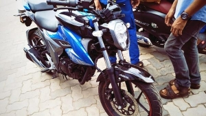 2019 Suzuki Gixxer 155 Facelift Spied — India-Launch Expected Soon; To Rival The Yamaha MT-15