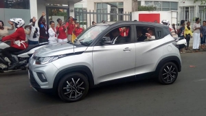 Pope Francis Travels In A Mahindra KUV100 In Mozambique: Anand Mahindra Tweets With A Video