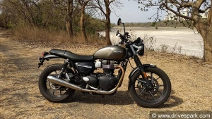 Triumph Dealers Offer Up To Rs 1.5 Lakh For Exchanging A Royal Enfield Motorcycle