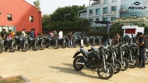 Revolt RV400 Deliveries Begin In Pune: Company Aiming To Close All Deliveries Soon